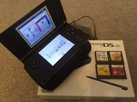 Nintendo DS lite with 4 games - Good condition