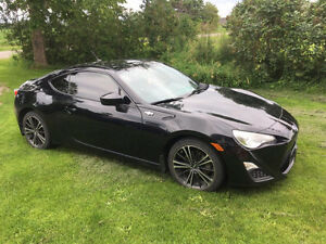 2013 Scion FR-S Coupe (2 door)