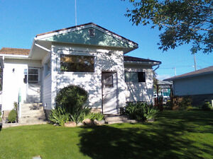 House for Sale in Sunny Osoyoos 1/4 Acre