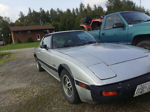 1983 Mazda RX-7 GX Coupe (2 door)