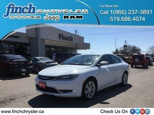 2015 Chrysler 200 Limited***Low Kms, B-up Cam, Mint***