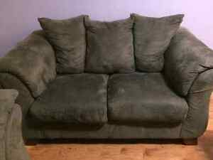 WANTED: Love Seat