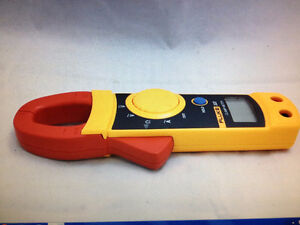 FLUKE 322 CLAMP ON AMMETER WITH LEADS AND CARRYING CASE Strathcona County Edmonton Area image 5