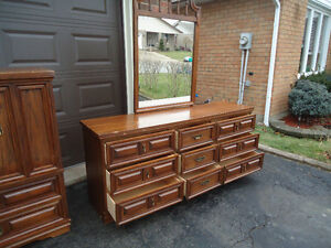 LOWEST KIJIJI PRICES ON FURNITURE OR BUY 40+ ITEMS