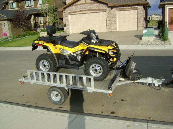 Used 2010 Can-Am outlander 800R maxx XT with aluminum trailer