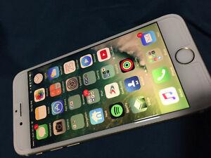 Unlocked Gold iPhone 6S 64GB Kitchener / Waterloo Kitchener Area image 2