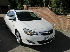 2012 (12) VAUXHALL ASTRA 1.4T SRI 140 BHP 5DR + OLYMPIC WHITE