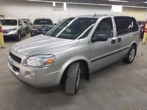 2009 Chevrolet Uplander LS Minivan, Van caravan