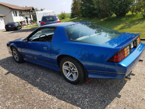 1987 CAMARO IROC FOR SALE T-T0PS! AUTOMATIC!