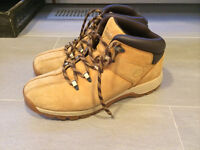 Men's shoes & boots (will fit teenager) - Vans, AE & Timberland