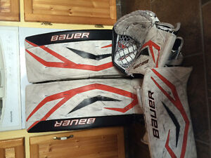Bauer one90 pads and 180 skates