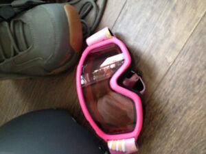Women's snowboard, bindings, boots, helmet, googles Peterborough Peterborough Area image 4