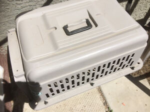 Pet cages /carrier for medium size dog/cats other animals