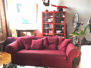 Couch for Sale! Red colour, comes with 6 pillows