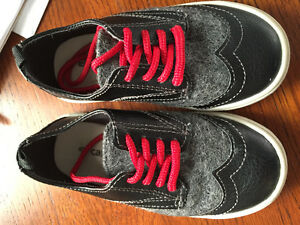 Like new! Carters shoes infant/toddler size 8