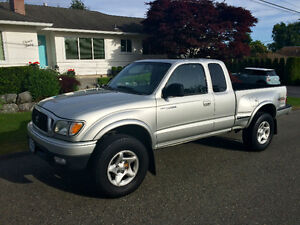 2002 Toyota Tacoma 4x4 TRD Off Road w/Step-Side Bed - 156,700 km