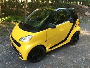 "2013 Smart ""Special Edition"" Sunroof, Navigation, 19,000Km"