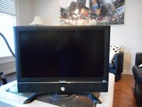 LCD flat screen TV size 27 for sale in great condition