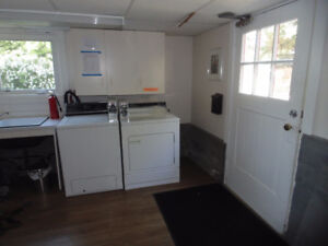 INGLIS COIN OP COMMERCIAL WASHER AND DRYER