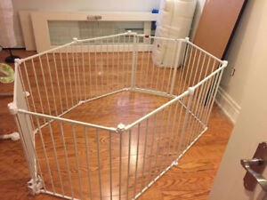 Regalo 192-Inch Super Wide Gate and Play Yard, White (LIKE NEW)