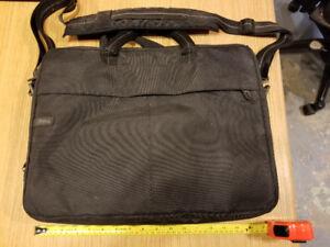 Sac de transport Dell pour ordinateur portable 17po (USAGÉ)
