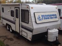 Holiday trailer bumper-to-bumper 23 foot MUST SELL!