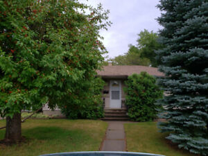 Southside 1100 sq ft Main Floor, 3 Bdrm for Lease