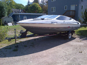 Excellent condition 1990 Bayliner Capri complete with trailer