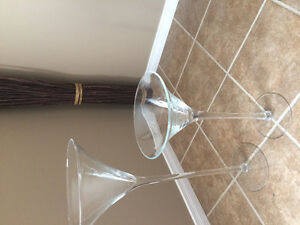Two tall glass vases Cambridge Kitchener Area image 2