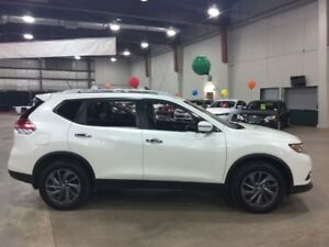 2016 Nissan Rogue SL  w/ Leather, Sunroof, Nav
