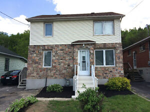 5-bed/2bath Bright, spacious, South-End near Hospital, 4-corners
