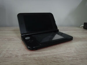 Nintendo 3DS XL (Red)