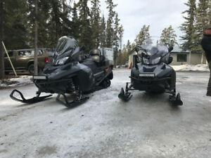 2016 and 2017 Ski-doo Expedition SE 900 ACE