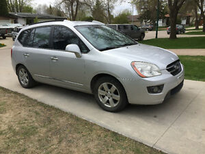 2007 Kia Rondo EX Hatchback (SAFETIED) $4,900 including taxes