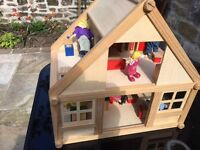 Wooden dolls house/furniture/people