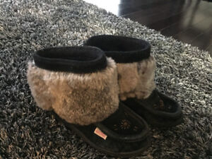 Girls soft mock moccasin boots