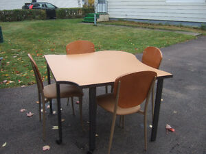 Kitchen Table with 4 chair's ONLY $65