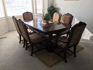 High Quality Dining Room Table & Chairs