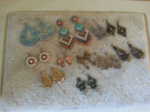 COSTUME  JEWELLRY  PIERCED  EARRINGS  (11 SETS)