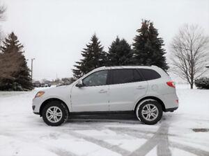 2011 Hyundai Santa Fe Crossover- ONE OWNER & 4 NEW TIRES!!