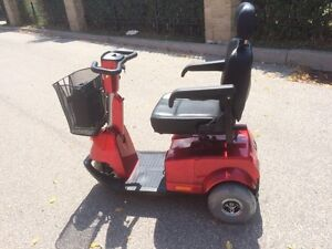 Fortress 1700DT Red 3-wheel Mobility Scooter*LIKE NEW*
