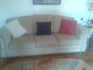 sofa/loveseat set in good condition fr sm free home
