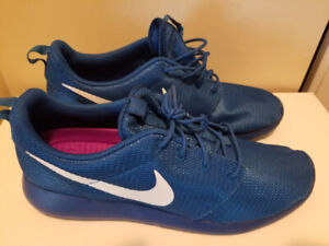 sneakers for cheap 829a8 a8d89 Nike Roshe 12 Blue