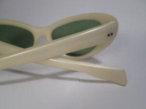RETRO Cool Ray Poloroid Sunglasses  (VIEW OTHER ADS)) Kitchener / Waterloo Kitchener Area image 3