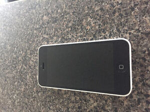 iPhone 5c 16 gb - immaculate condition