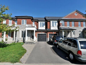 Immaculate Townhome at prime Richmond Hill location