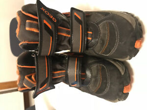 Geox Toddler size 10 / 27
