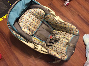 Baby Trend Stroller and Car Seat Combo Cambridge Kitchener Area image 4