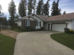 Beautiful 6 bedroom executive home for rent in Whitecourt