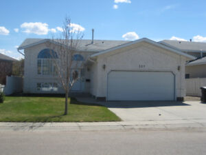227 Brookmore Lane for Rent Nov 1 (Grass Cutting included).